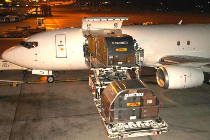 Resultado de imagem para boeing 737-400 cargo